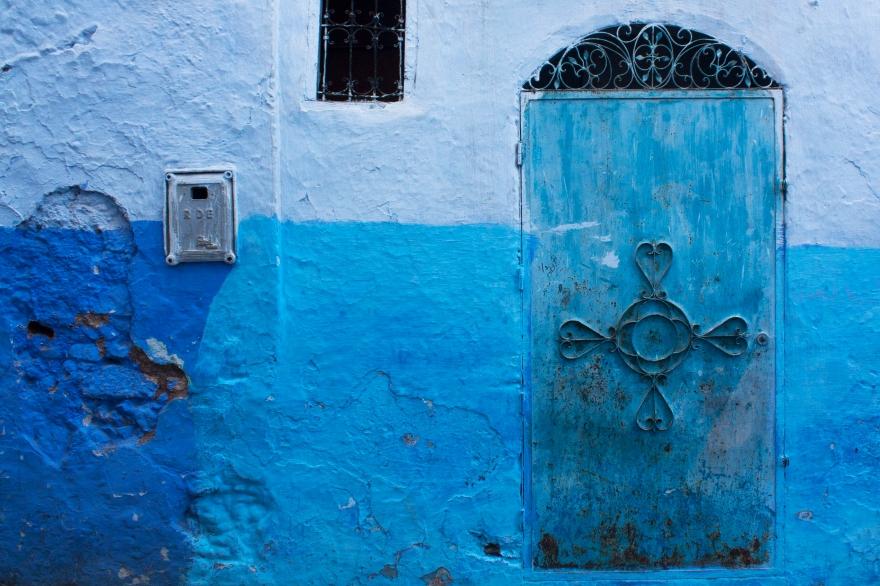 chefchaouen blue door